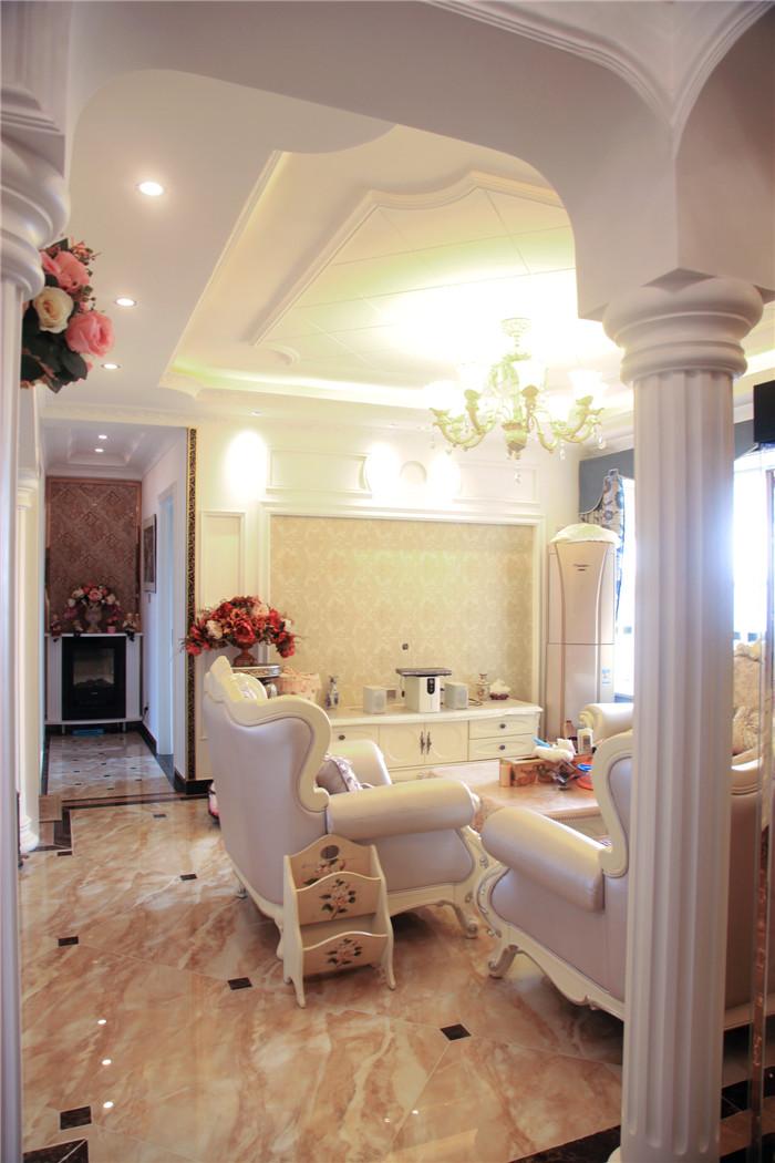 三居室欧式风格_现代简欧三室两厅一厨两卫装修效果图图片