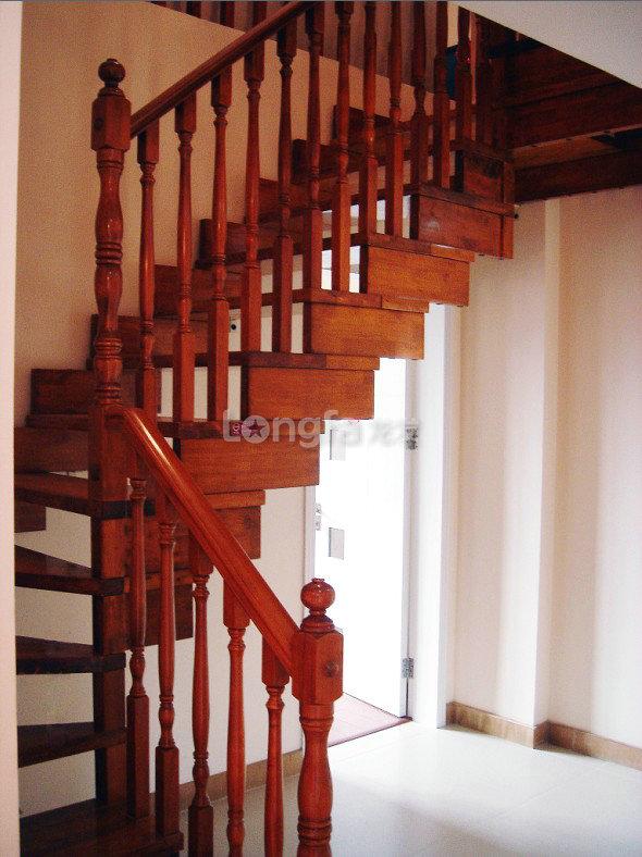 复式楼 现代风格 玄关 入户 鞋柜 设计装修效果图高清图片