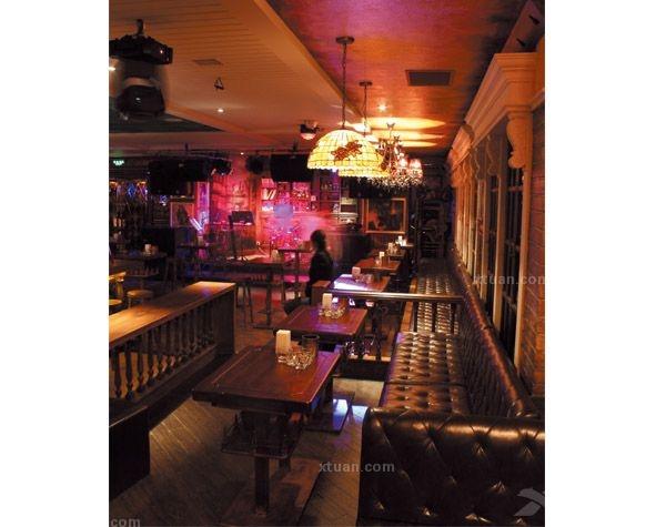 青岛普拉那酒吧装修设计