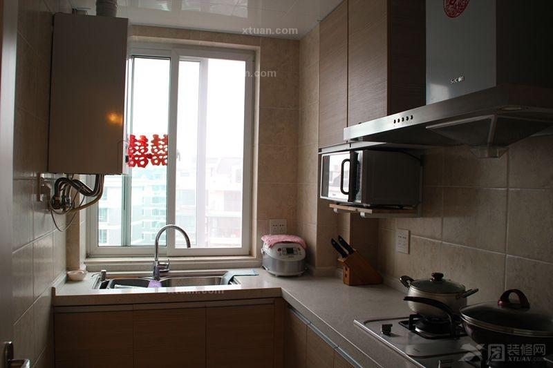 两室两厅现代简约厨房