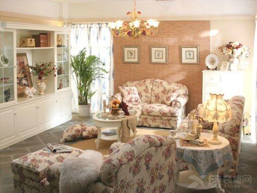 三室两厅现代简约卧室沙发背景墙
