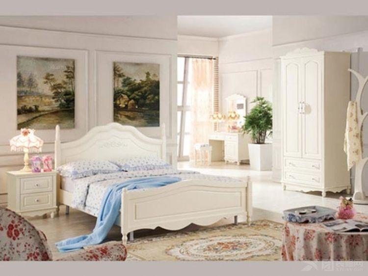 一室一厅卧室照片墙