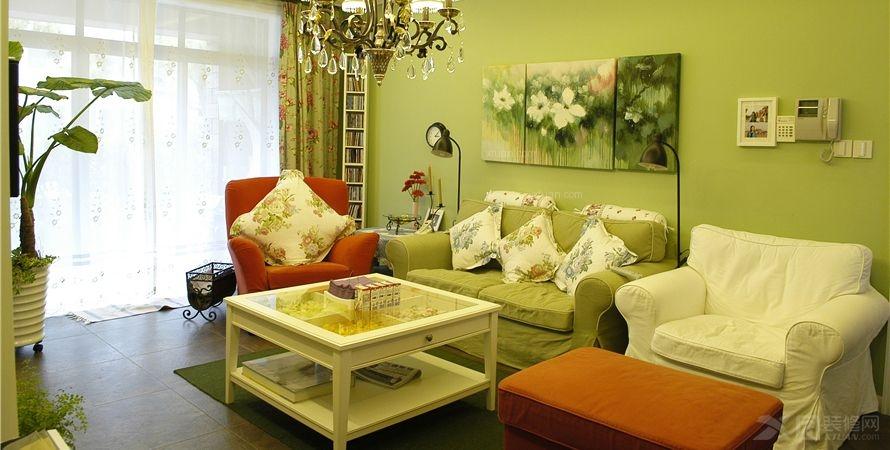 两居室客厅沙发背景墙