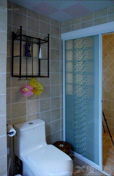 两室一厅英式风格浴室