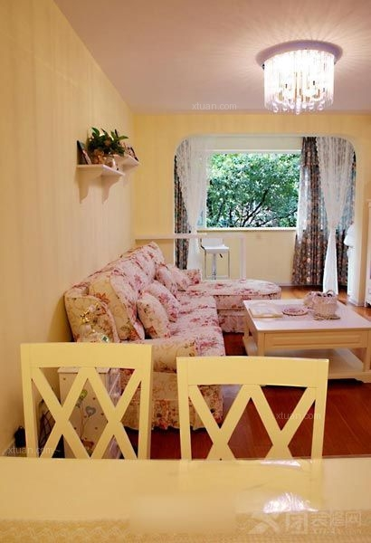 两室一厅英式风格卧室