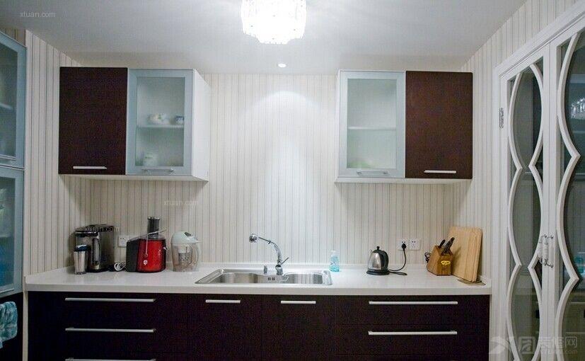 三室两厅新古典厨房图片