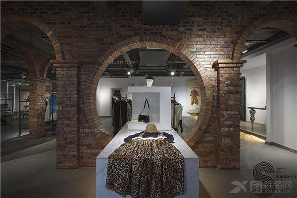 现代风格服装店