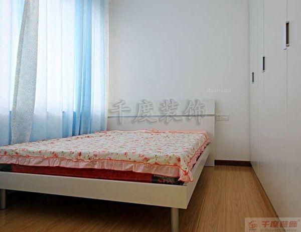 两居室现代风格主卧室