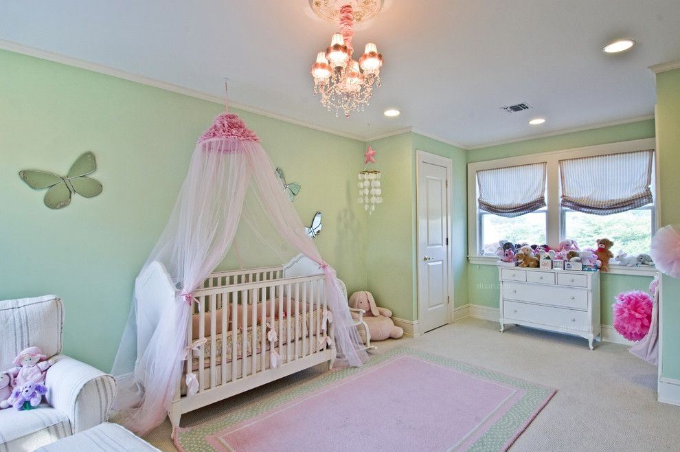独栋别墅新古典婴儿房