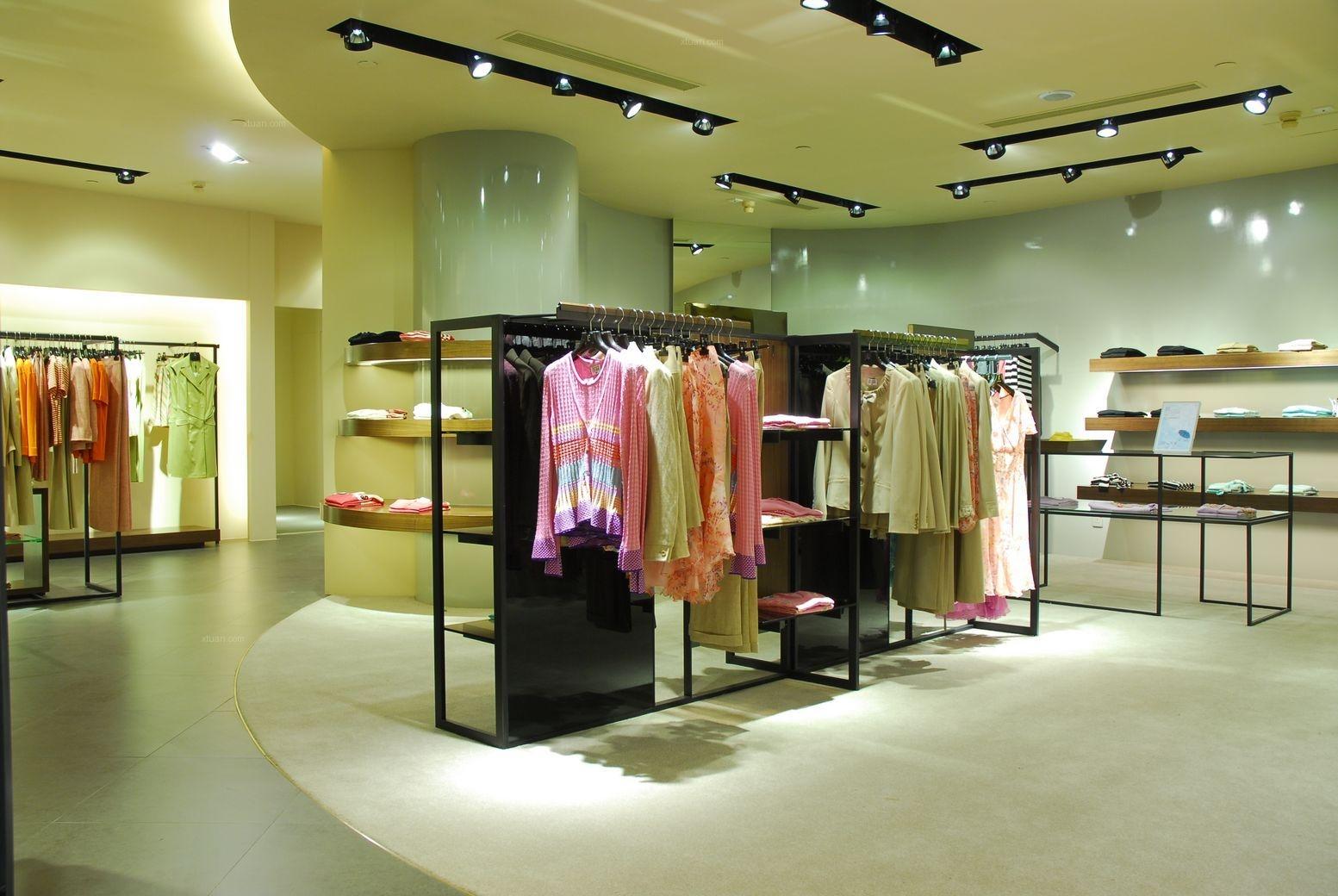 时尚风格服装店