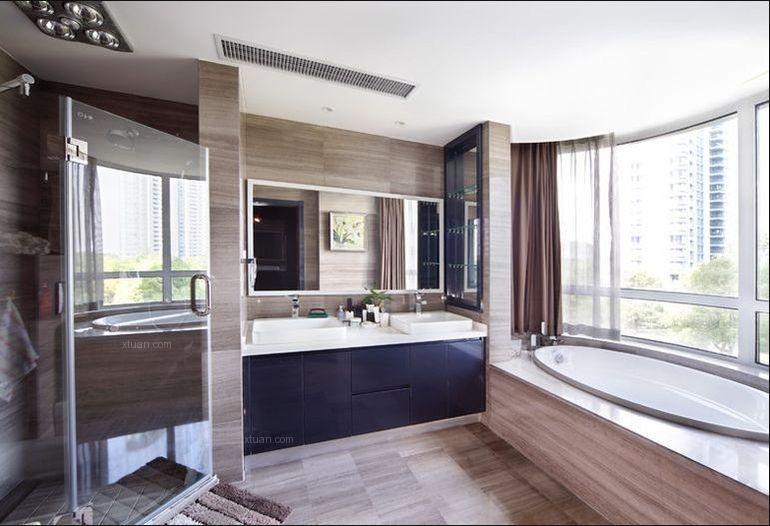 三居室现代简约卫生间地台