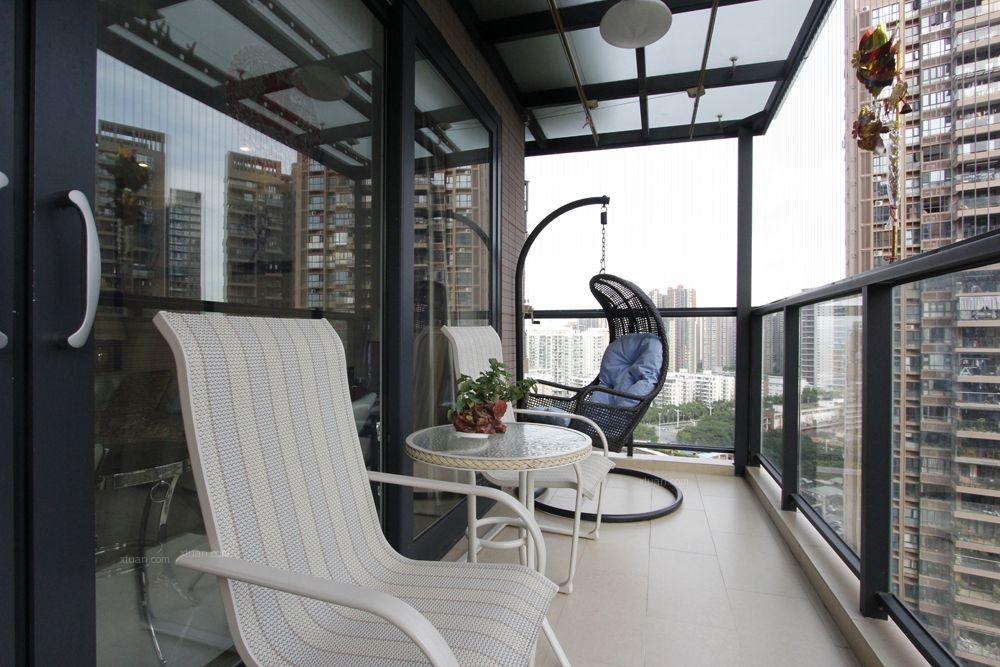 四居室现代简约阳台地台
