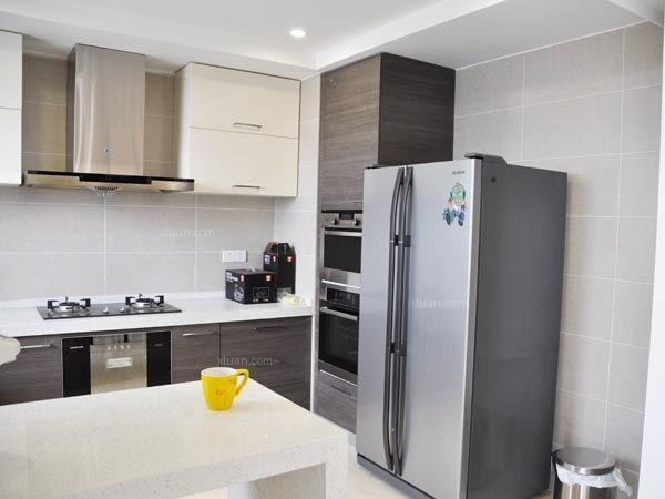 三居室现代风格厨房
