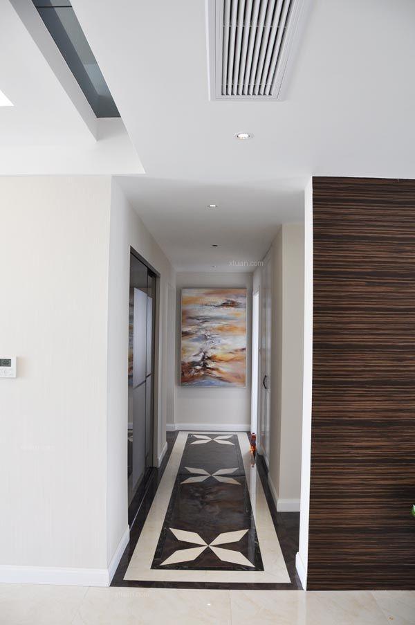 三居室现代风格过道