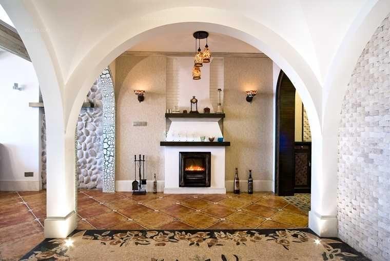 三室一厅地中海风格过道圆形吊顶