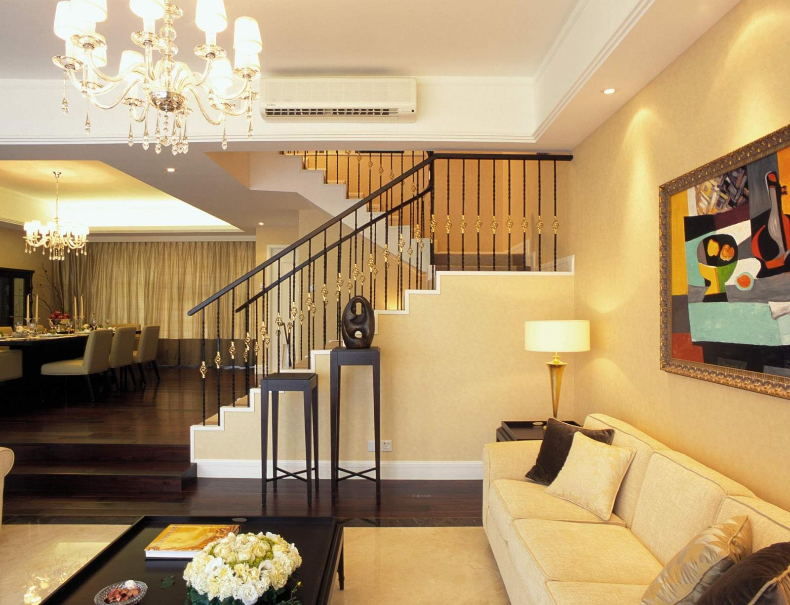独栋别墅现代风格客厅