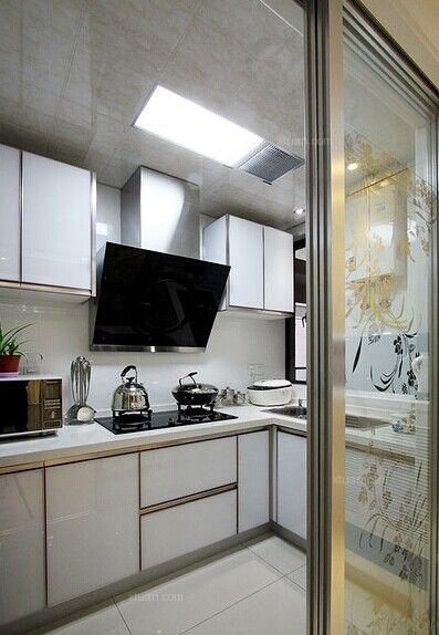 两居室现代简约厨房地台