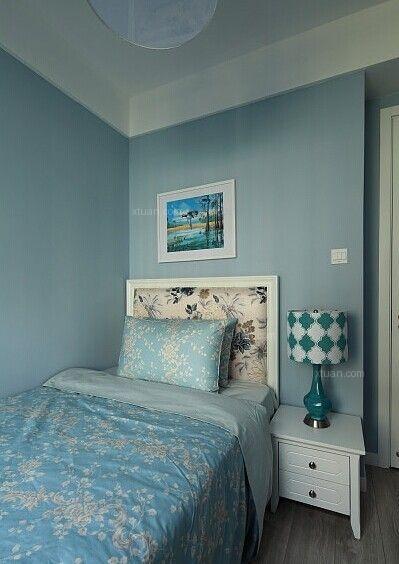 三居室中式风格小卧室卧室背景墙