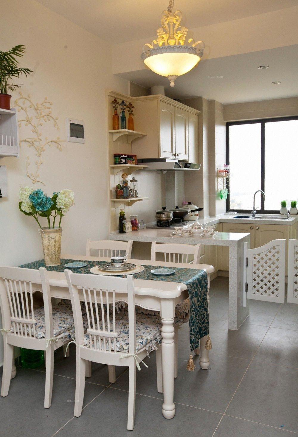 两居室现代简约餐厅软装
