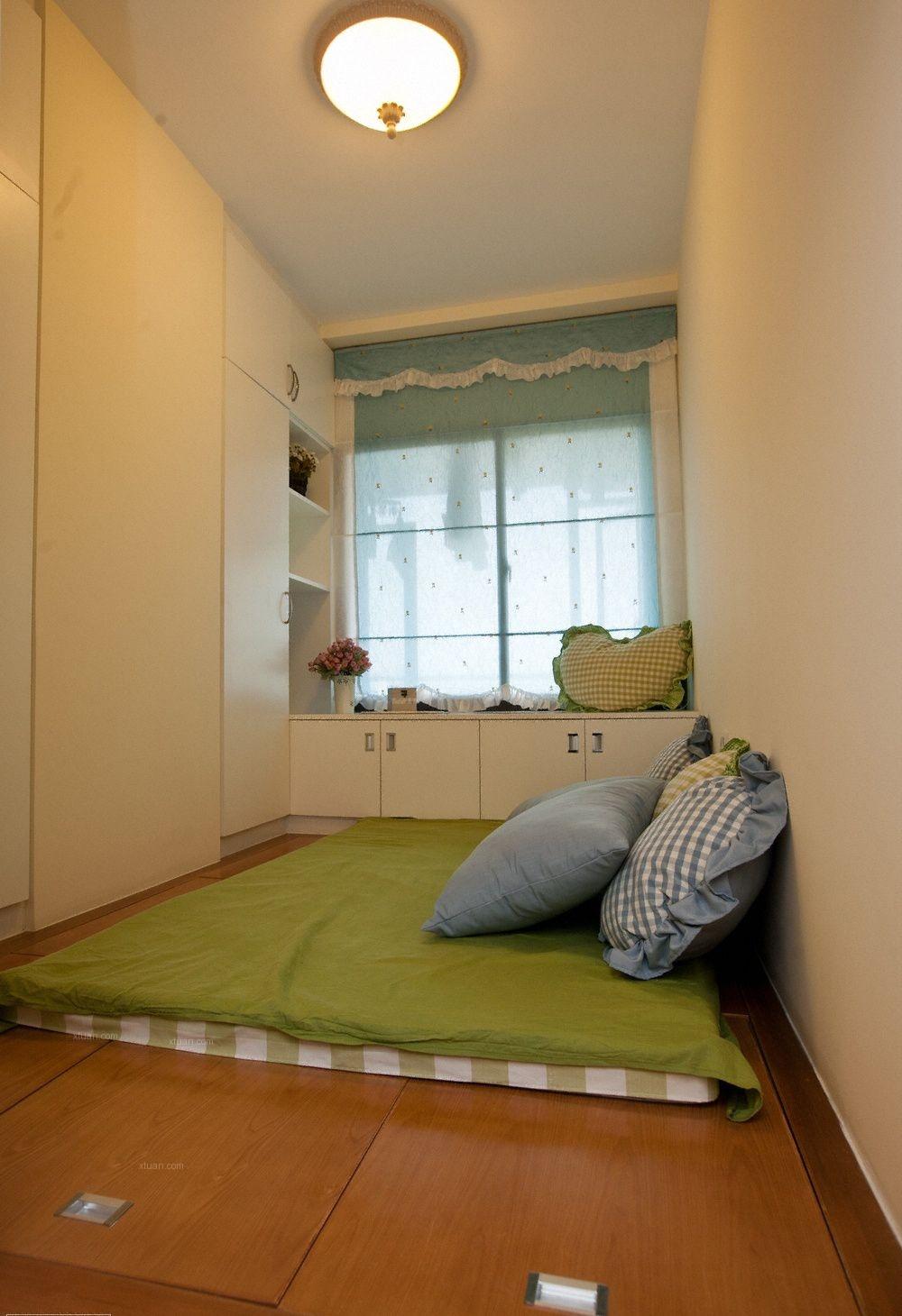 两居室现代简约卧室软装