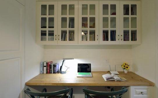 三居室现代风格书房