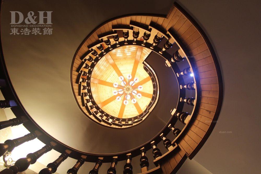 别墅欧式风格阁楼圆形吊顶