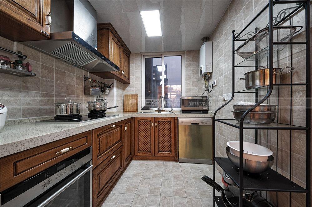 四居室古典风格厨房_复地悦城-欧式古典风格装修效果图片