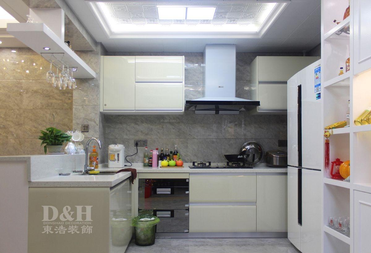 三居室现代简约厨房开放式厨房