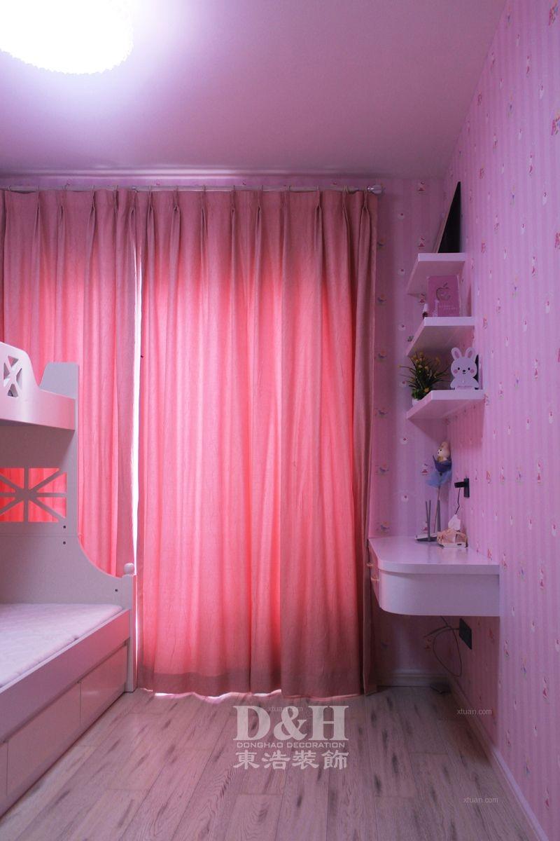 三居室现代简约卧室地台