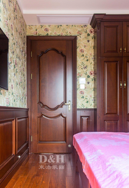三居室美式风格卧室隐形门