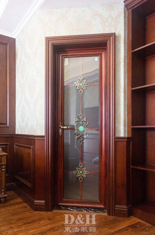 三居室美式风格卫生间隐形门