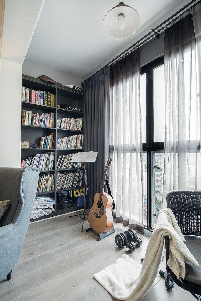 两居室现代风格阳台