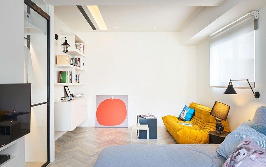 三居室混搭风格卧室照片墙