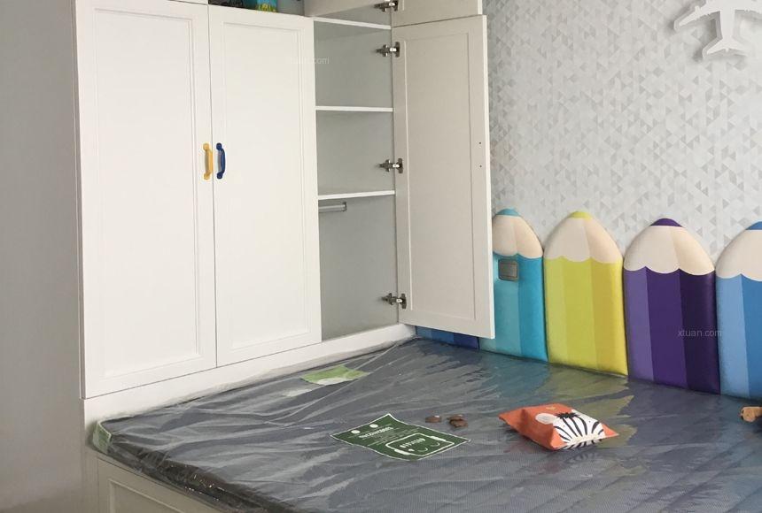 三居室混搭风格卧室