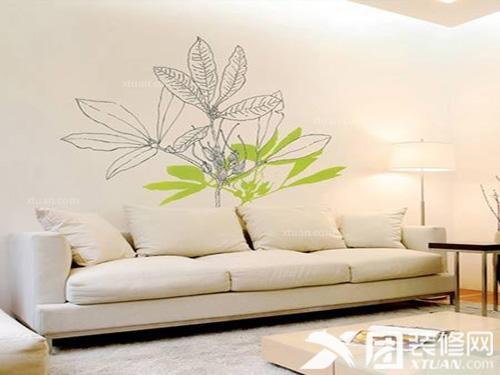 装修知识 客厅手绘墙图片     白色的沙发椅配上大红色抱枕,经典颜色