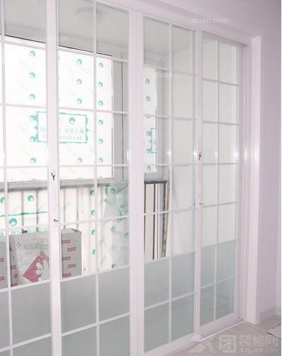 阳台玻璃推拉门尺寸_玻璃阳台推拉门-x团装修网