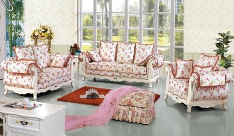 家居家装 装修详解 > 布艺沙发最新价格  可爱的条纹沙发,让家居中住