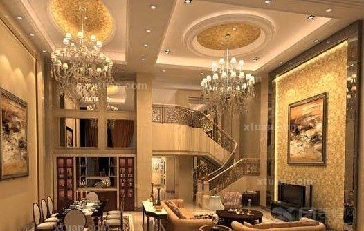 在吊顶上设计了星光点点的霓虹灯,精美的 欧式风格吊灯让这款客厅温馨图片