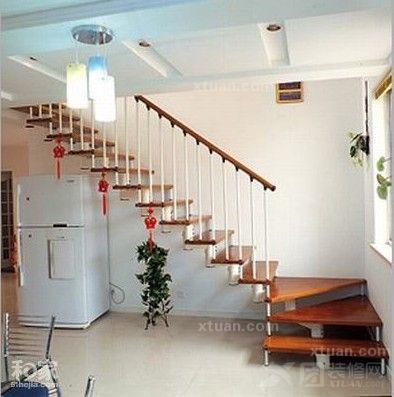 最新复式楼梯设计装修效果图图片