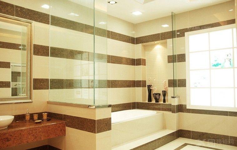 例如客厅内摆放了白色欧式家具,采用白色纹理缎面瓷砖铺贴墙面,让客厅
