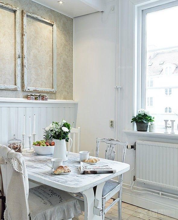 透过窗户望出去,窗外的建筑时隐时现的感觉,北欧风格的餐厅是不是给人