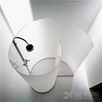 私人空间之黑白色创意卫浴设计