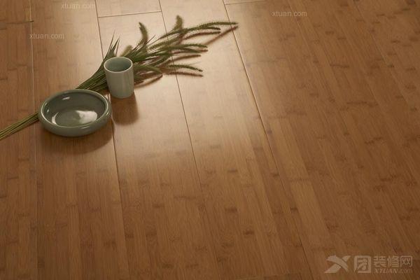 竹地板品牌与效果图片欣赏      线条简单的竹地板加上风的装饰品