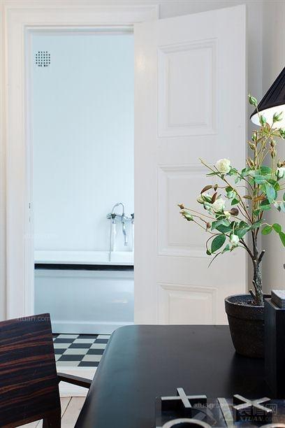 随性的二居室装 88平米二居室装修效果图       餐厅厨房的一体化设计
