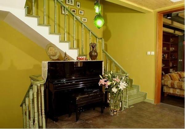 复式楼楼梯装修效果图图片