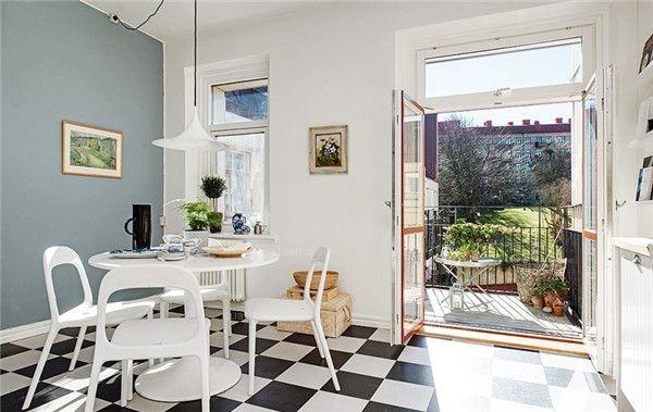淡蓝色为辅,整个空间看上去干净整洁,木质家具的运用又颇有日式风格的