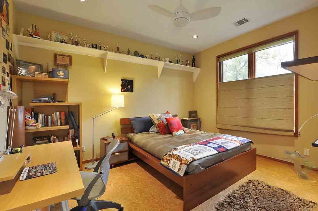 单纯化与简洁的小卧室装修效果图