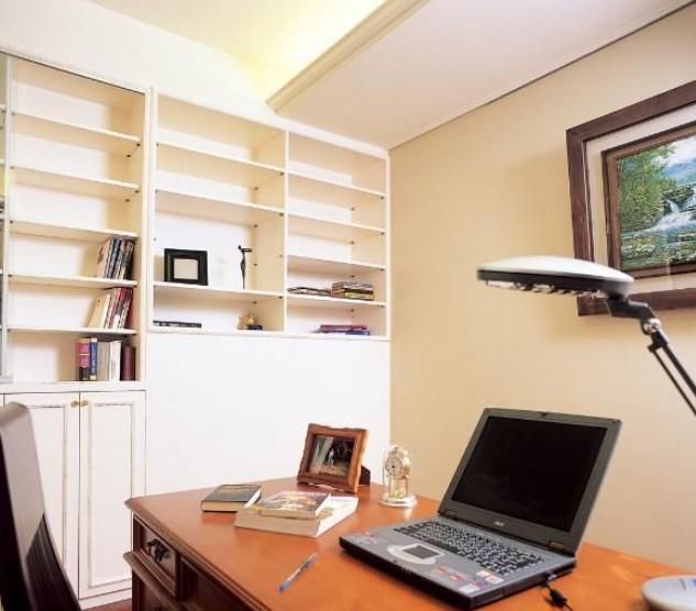 中式风格书柜家庭室内装修效果图