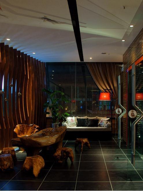 传统元素寓于时尚设计中的餐厅