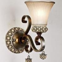 雍容华贵的欧式壁灯装修效果图